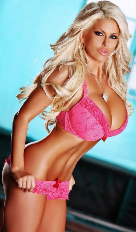 Live webcams of hot naked girls dirty blonde with big tits